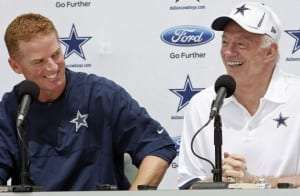 Jason Garrett et Jerry Jones des Cowboys