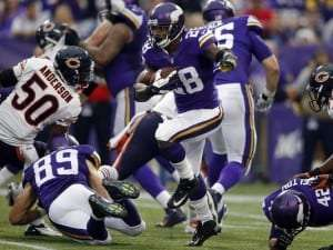 Adrian-Peterson-Vikings-2013-Bears
