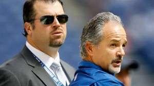 Le DG Ryan Grigson et le coach Chuck Pagano