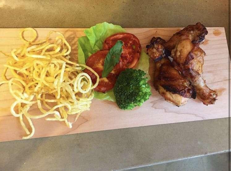 Pilons de poulet BBQ et ses juliennes
